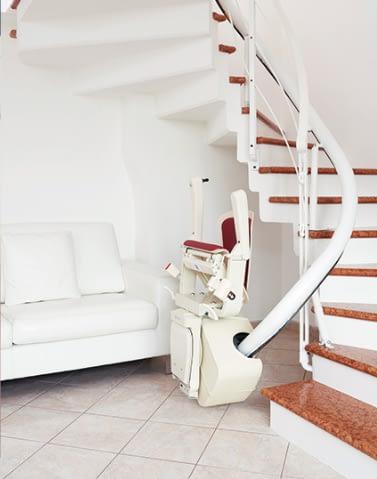 Treppenlift Platzbedarf